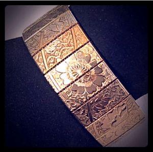 VINTAGE GoldTone Floral Motif Repousse Panel Link